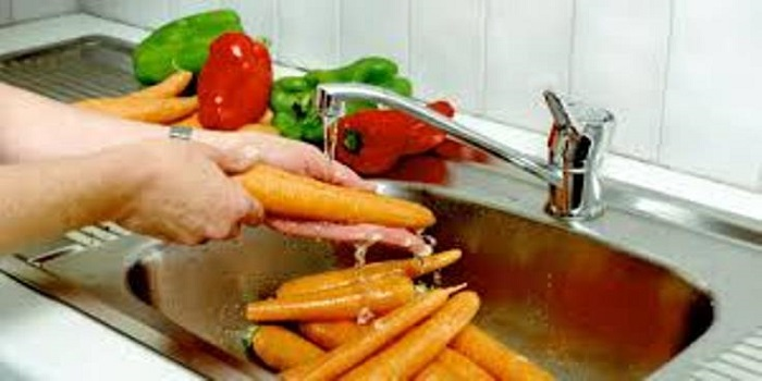 lavar frutas y verduras